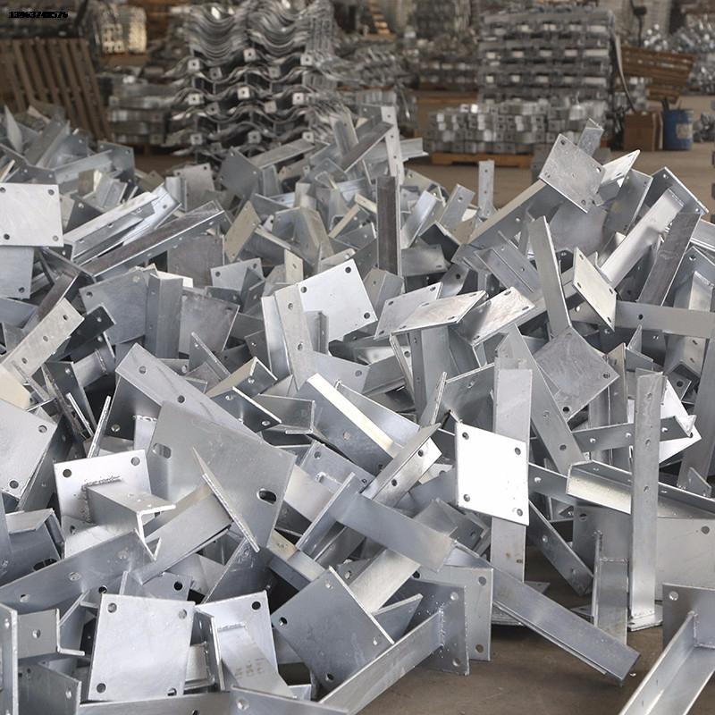 厂家zhi销re镀锌扁钢、角钢、槽钢、工字钢、圆钢等